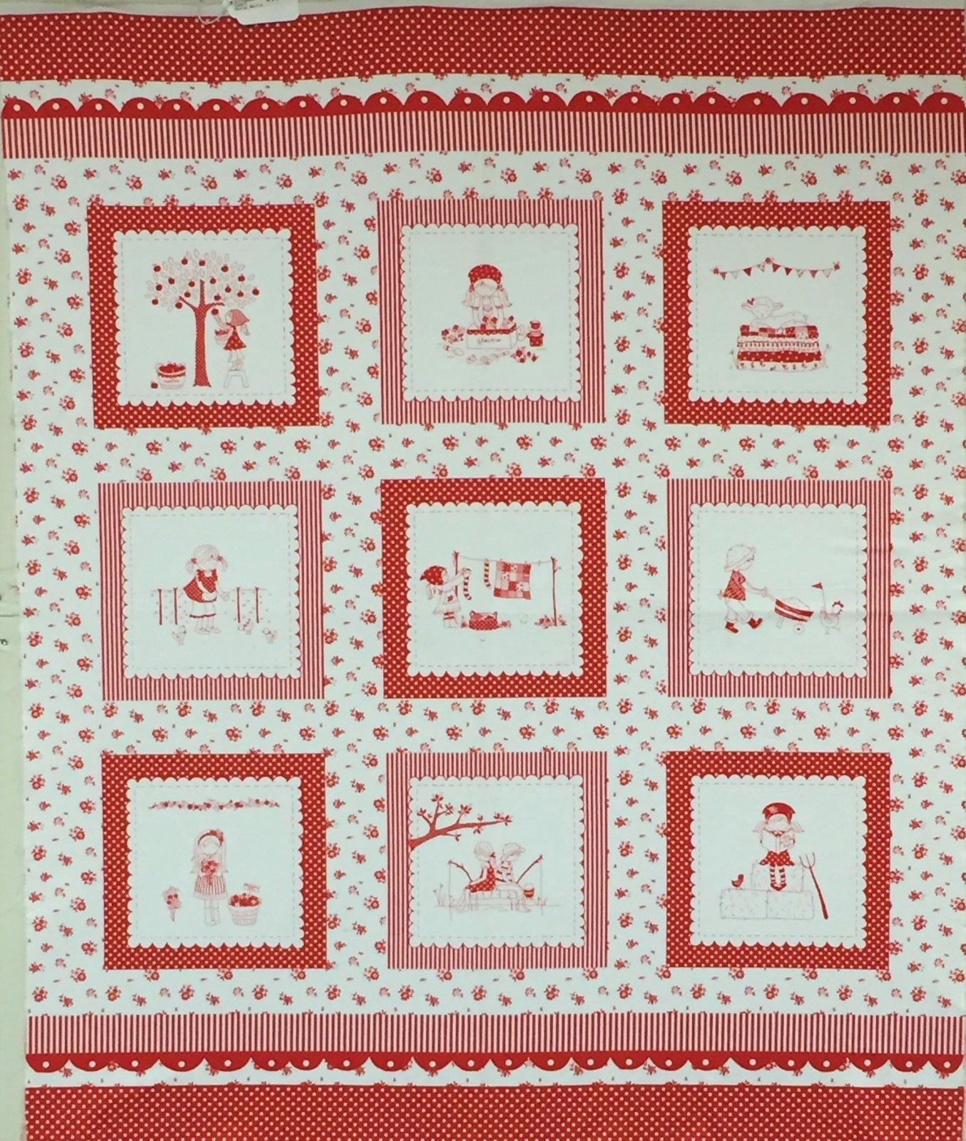 THE SIMPLE LIFE PANEL-RED
