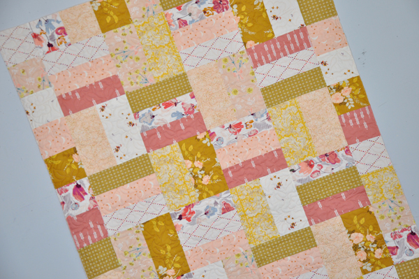Busy Bee Quilt Kit: Dusty Rose