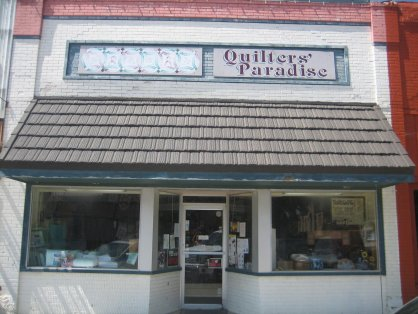 Quilters' Paradise storefront