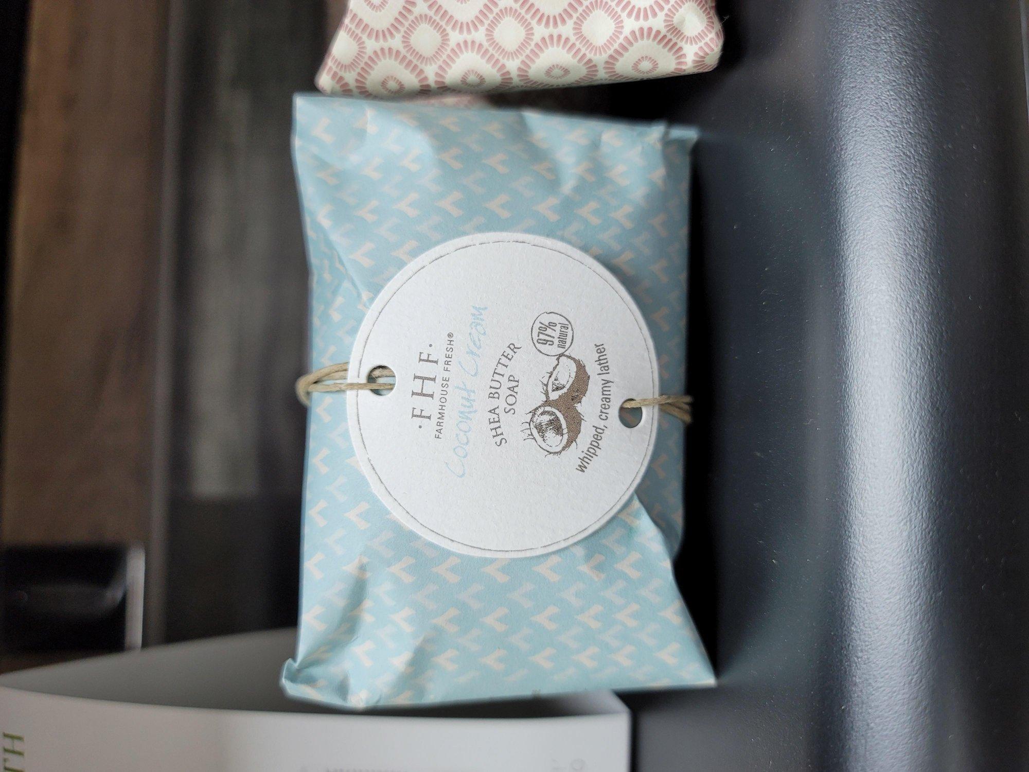 COCONUT CREAM SHEA BUTTER BAR SOAP 5.25 OZ