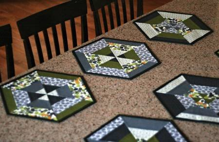 Set of 6 Hexie Placemats pattern