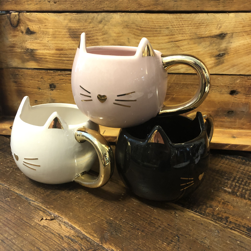 Kitty with Gold Mug