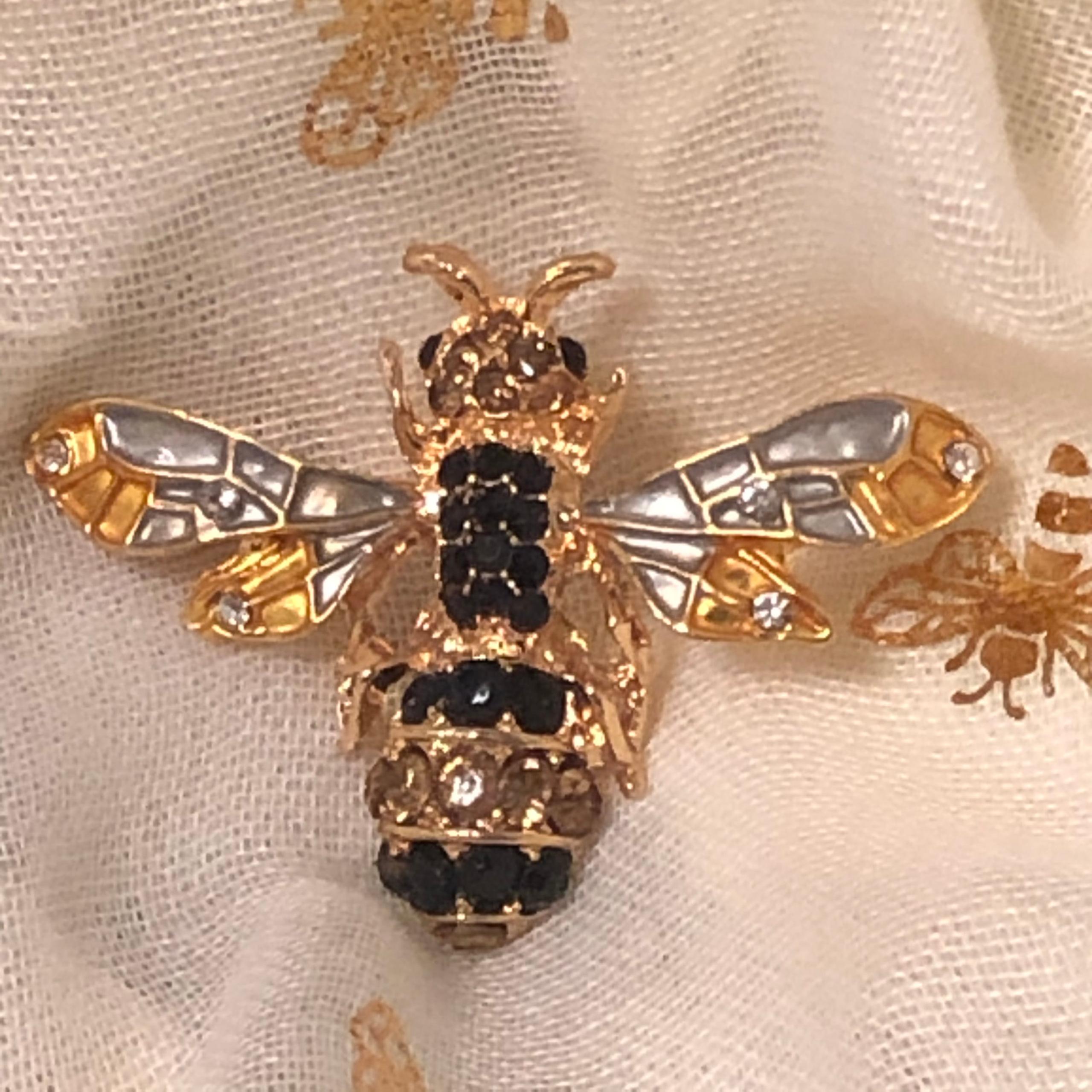 Burt Bee Pin