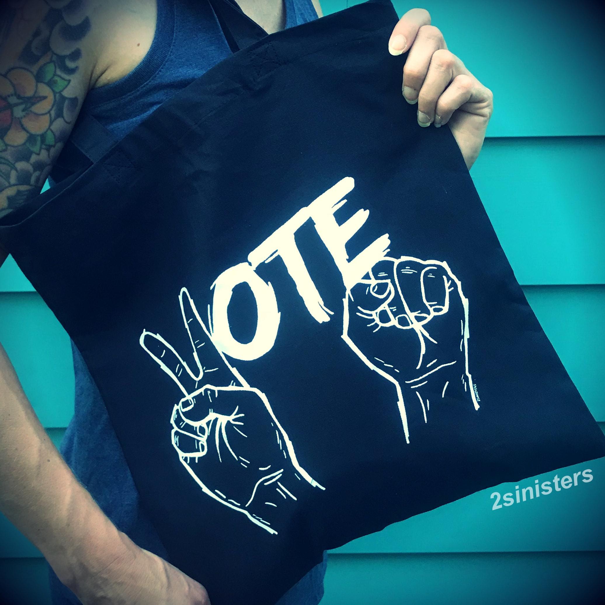 Sinisters Vote Tote; black