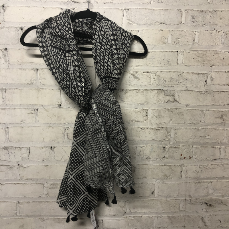 Summer Scarf Black and White Patterned