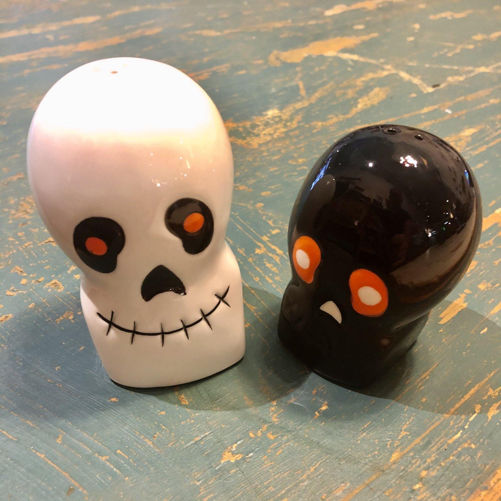 Spooky Black and White Skull Salt and Pepper