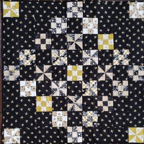 little helper mini quilt