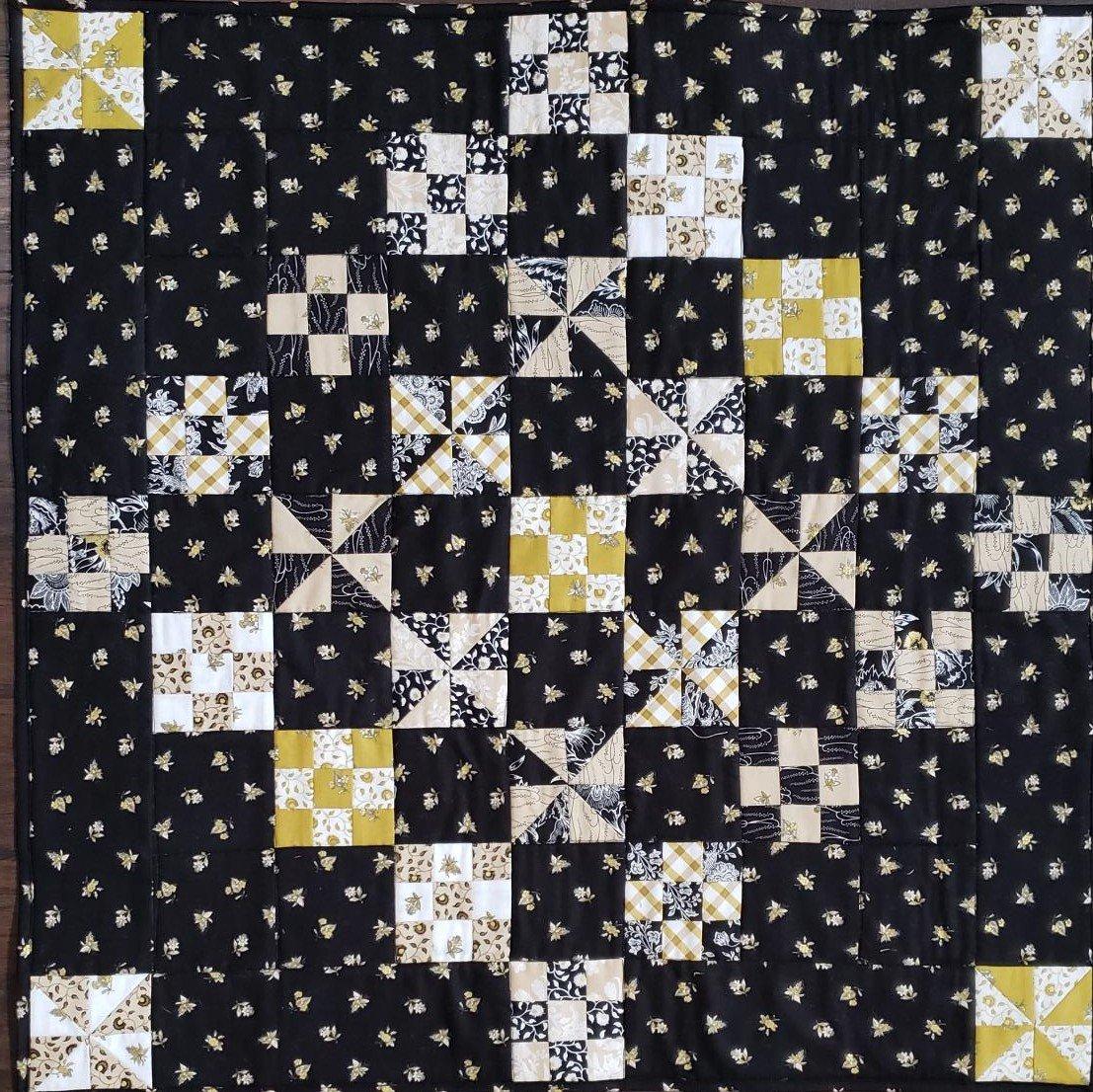Little Helper Mini Quilt Pattern