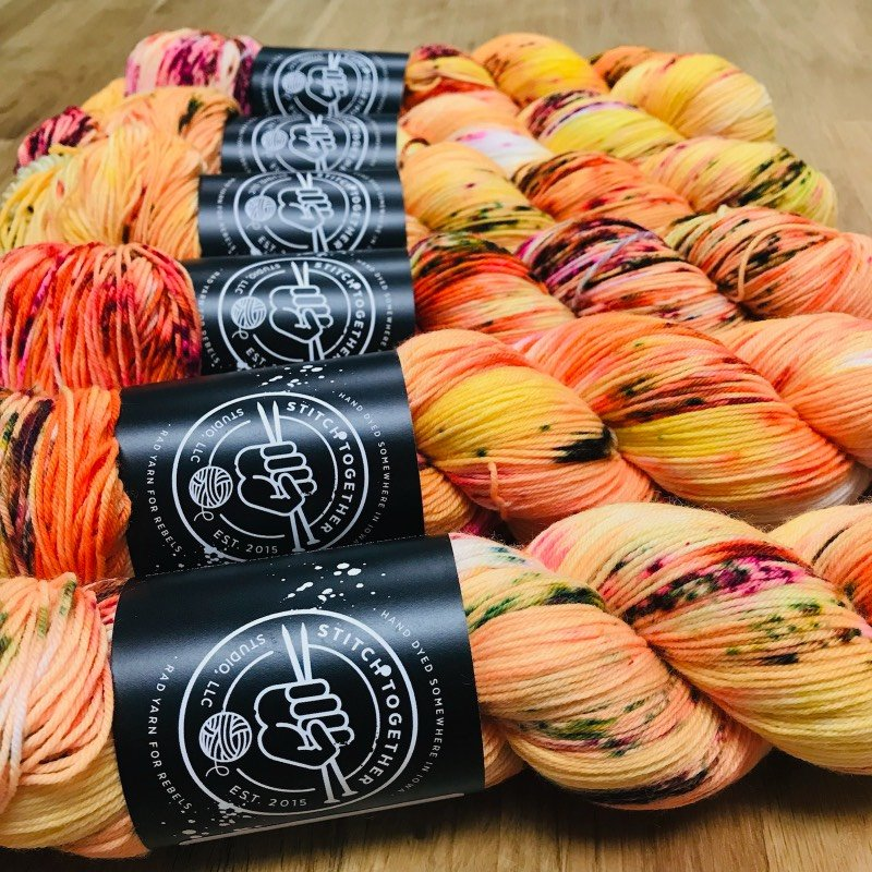 Stitch Together / Color of the Month / Smooth Sock