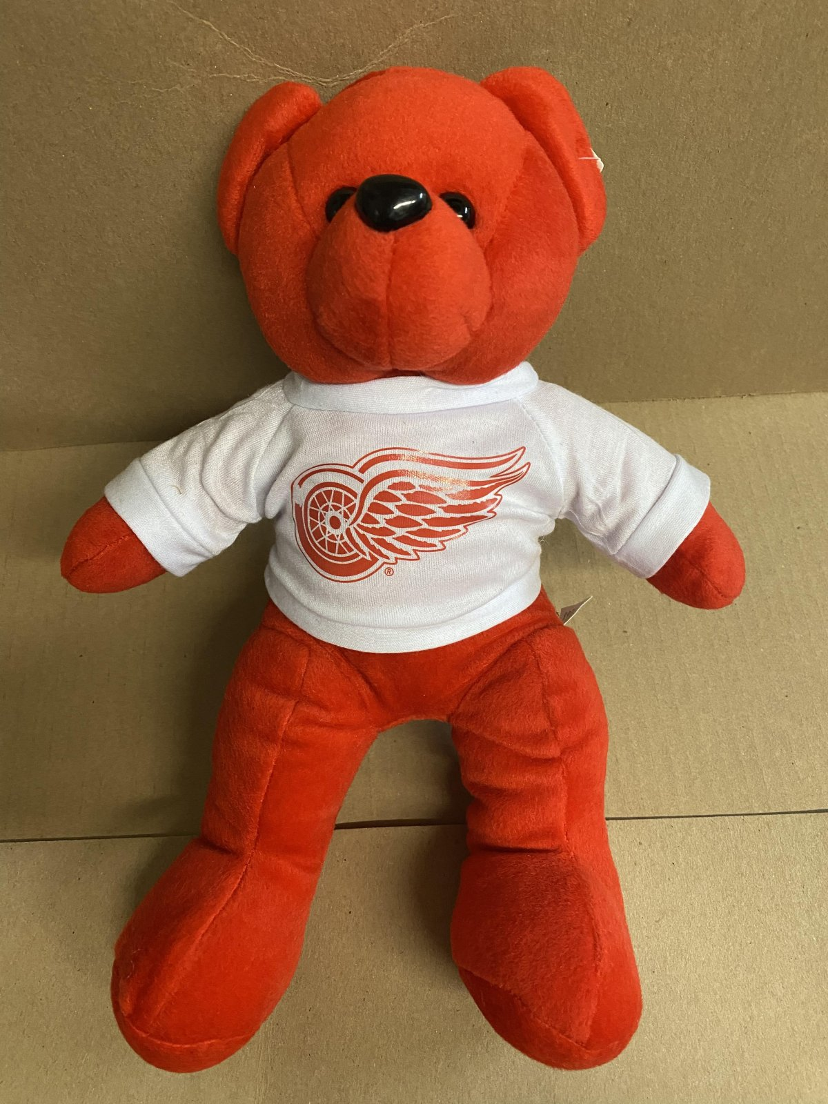 Detroit Red Wings Rally Bear