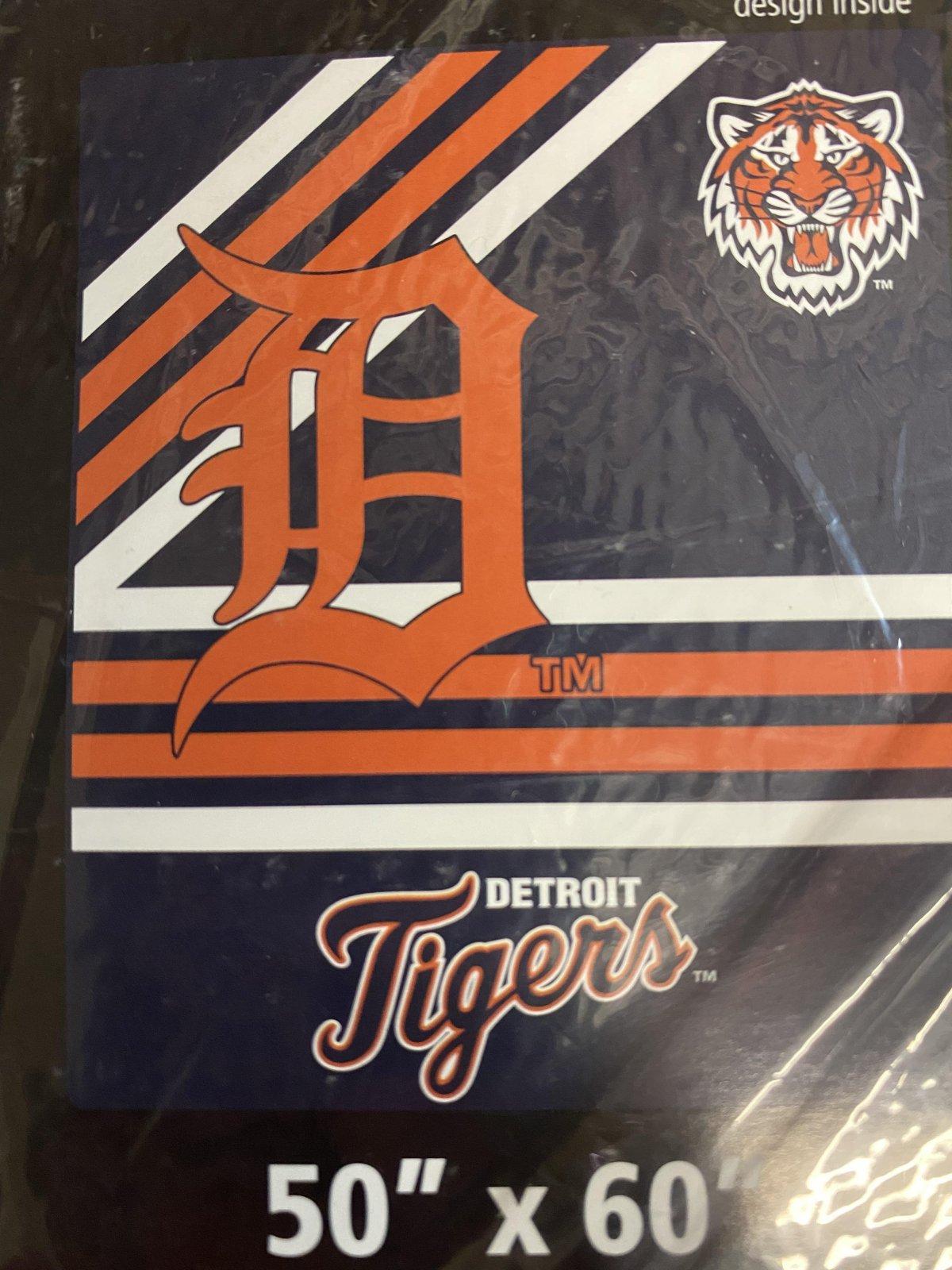 Detroit Tigers Raschel Throw Blanket