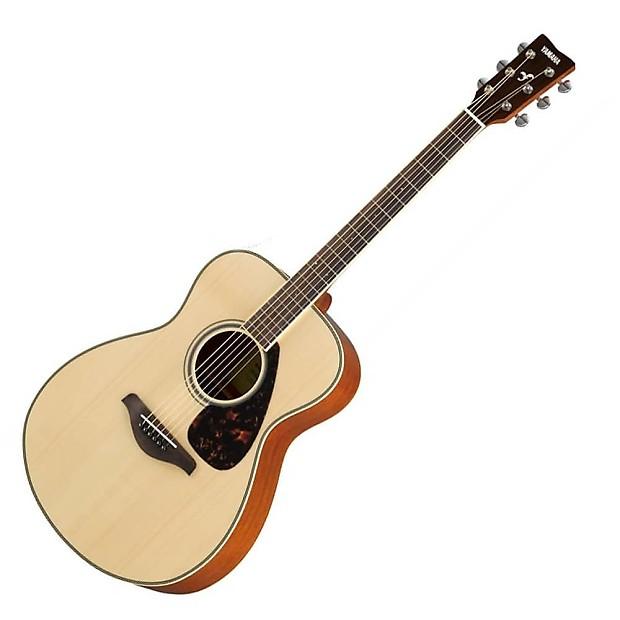 Yamaha FS-820 Acoustic Guitar