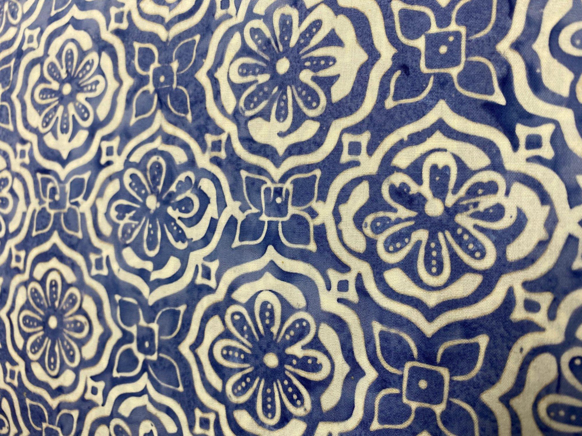 Moda Latitude Batik 27250282