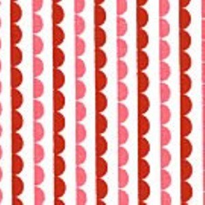 Lake House Studio Red/Pink 1/2 scallop