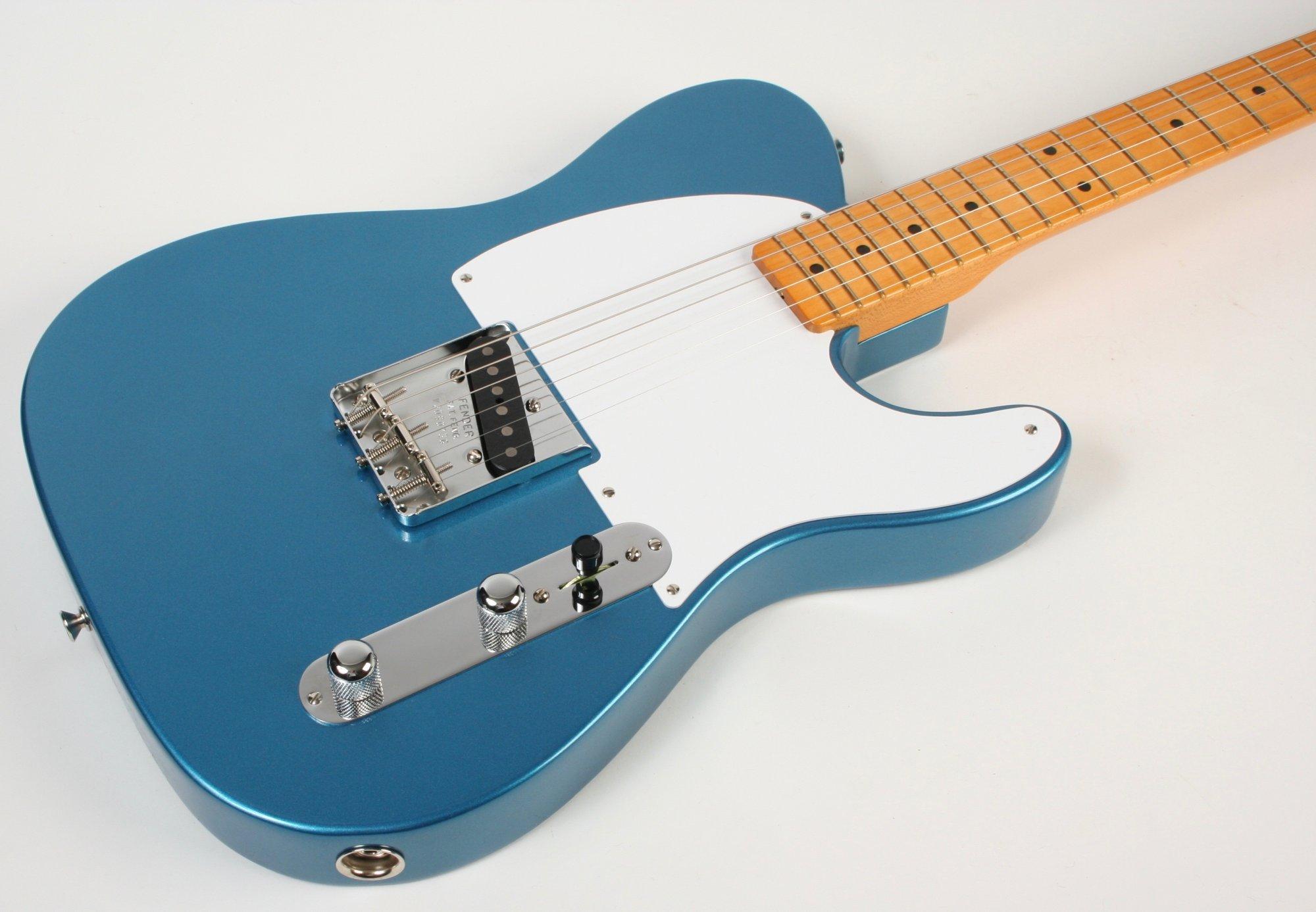Fender 70th Anniversary Pine Esquire Lake Placid Blue