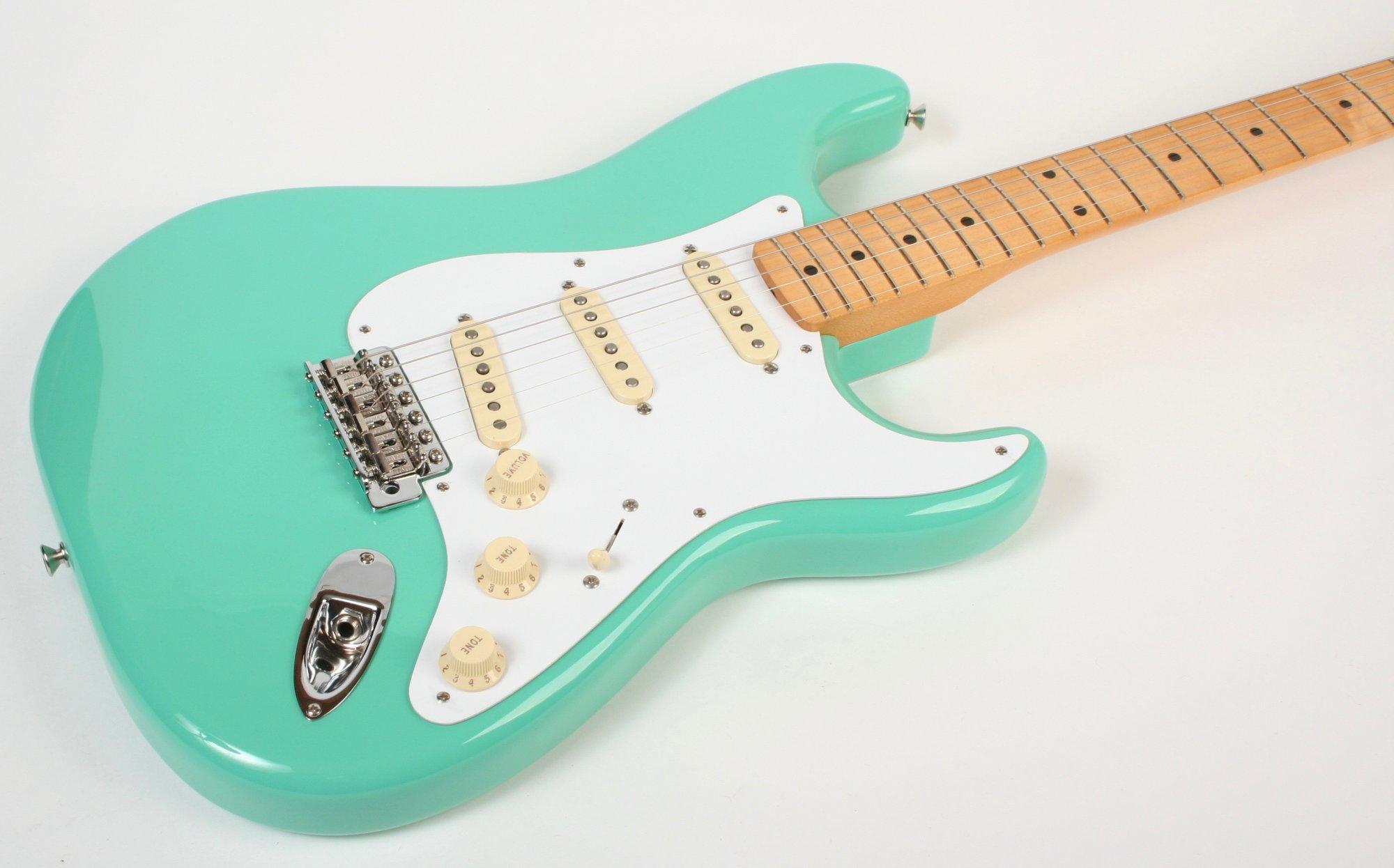 Fender Vintera Stratocaster SFG