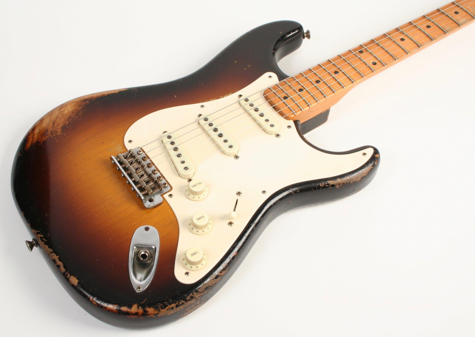 Fender Custom Shop 1957 Stratocaster Relic Faded 2 Tone Sunburst Master Built Dale Wilson MBDW