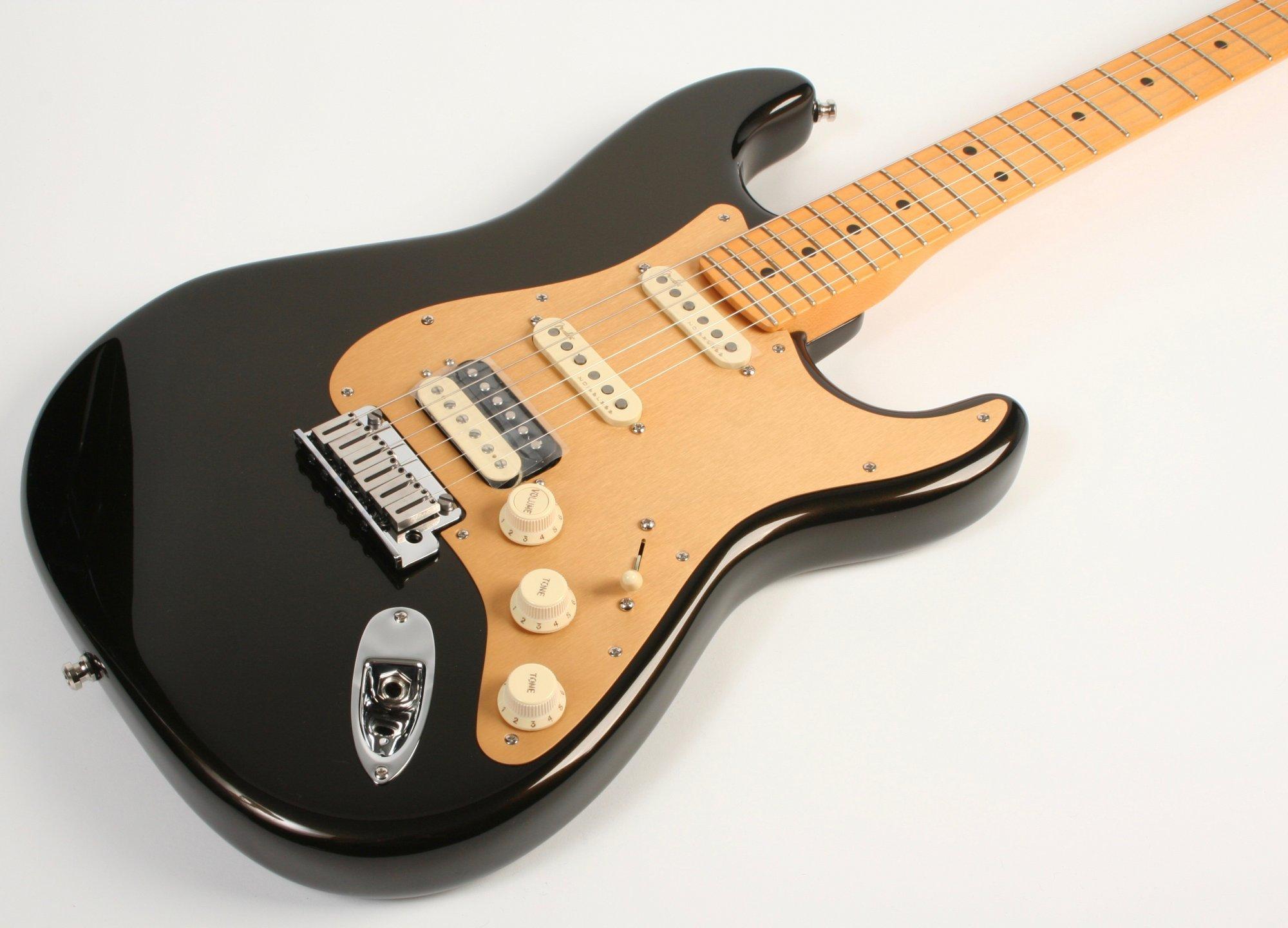 Fender American Ultra Stratocaster HSS, Maple Fingerboard, Texas Tea