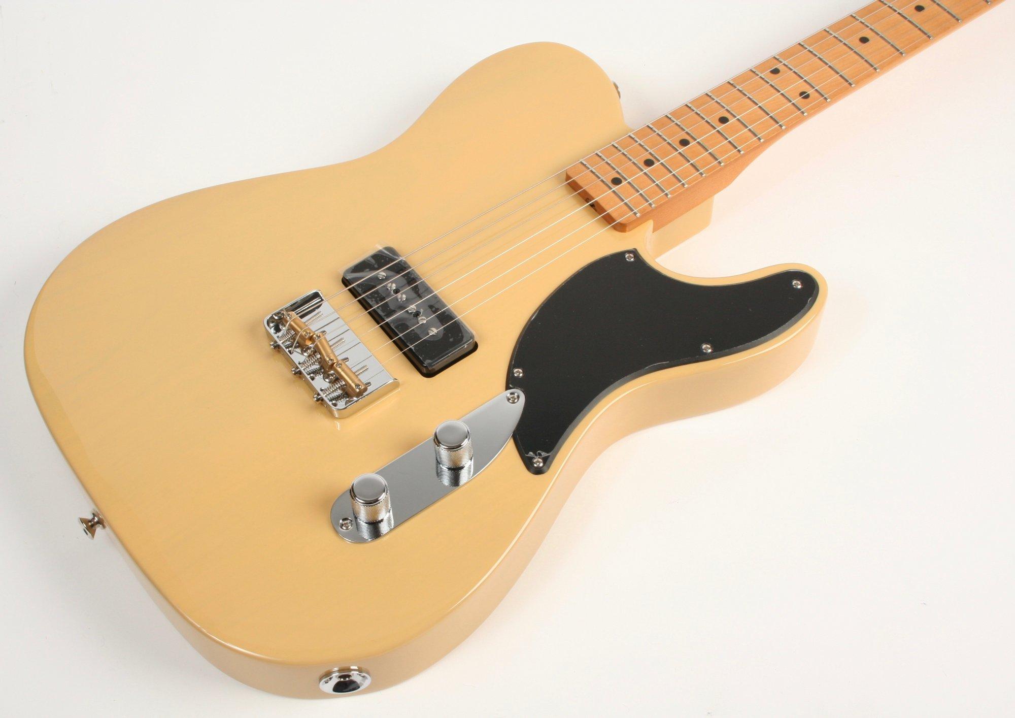 Fender Noventa Telecaster Maple Fingerboard Vintage Blonde