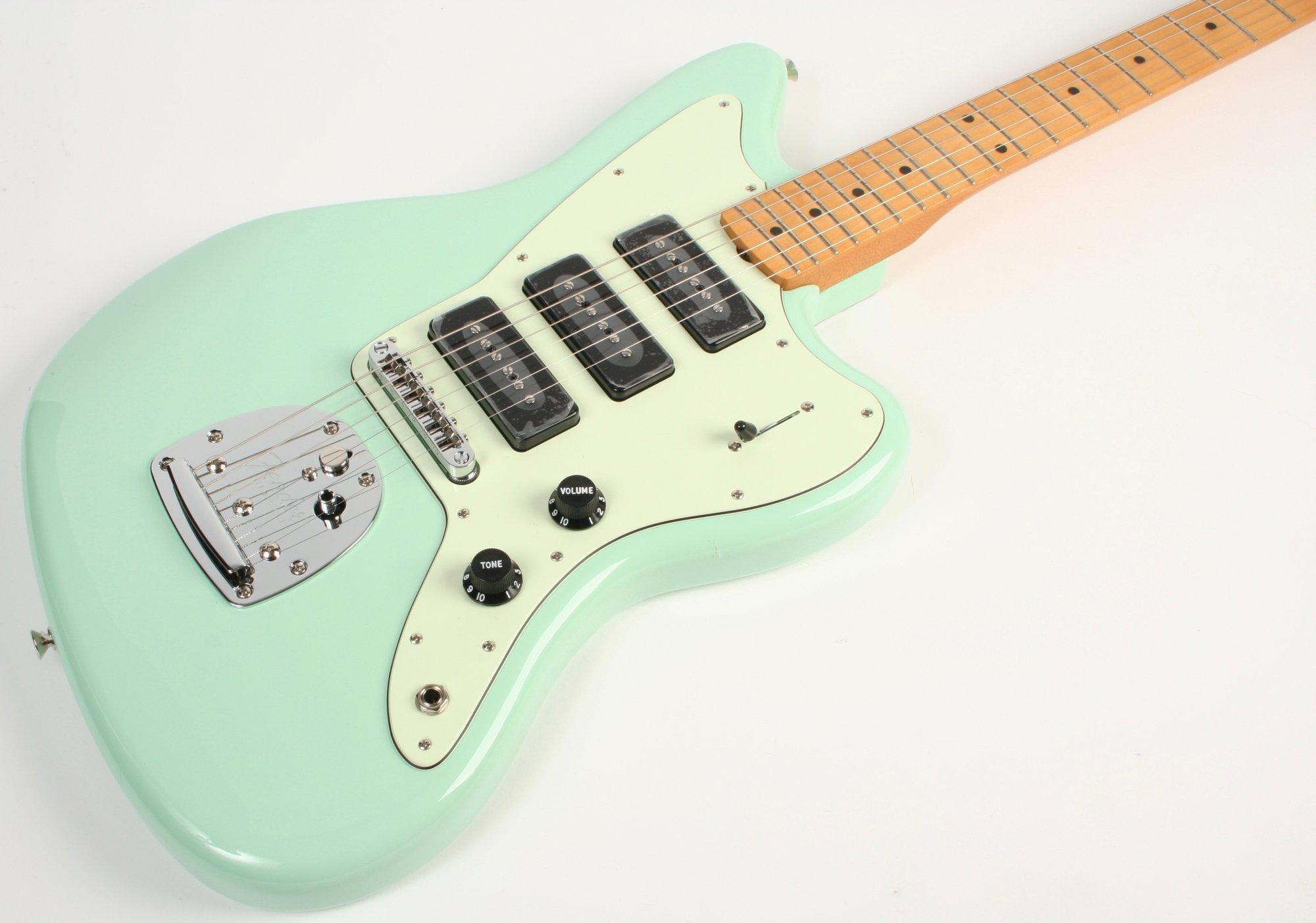Fender Noventa Jazzmaster Maple Fingerboard Surf Green