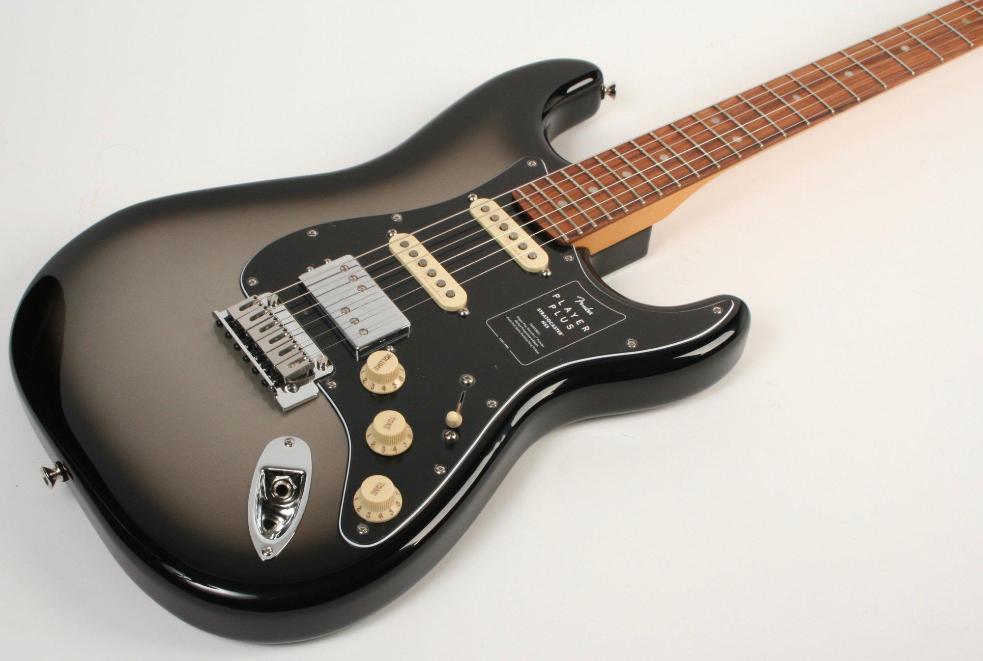 Fender Player Plus Stratocaster HSS Pau Ferro Fingerboard Silverburst