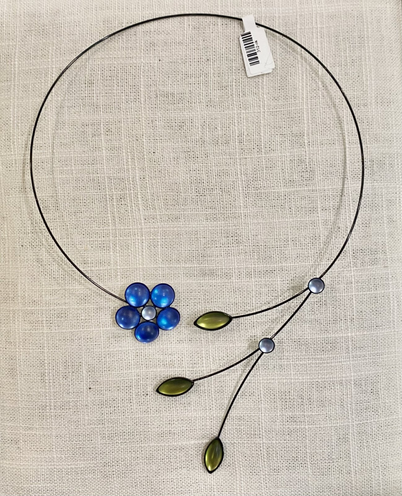 Necklace- round flowers