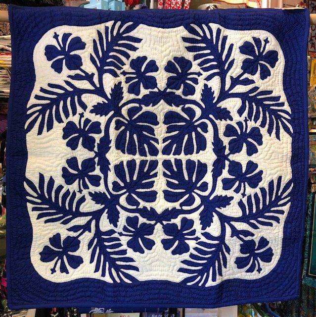 42 x 42 Hawaiian Hand Quilt Monstera & Hibiscus Royal Blue