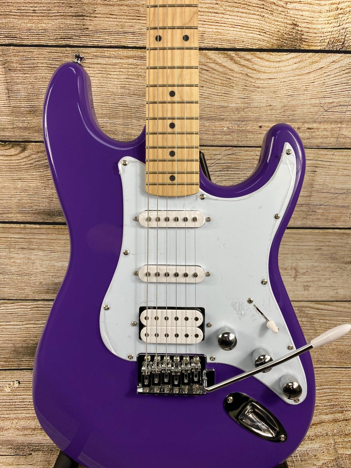Kramer Focus VT-211S Electric Guitar Purple