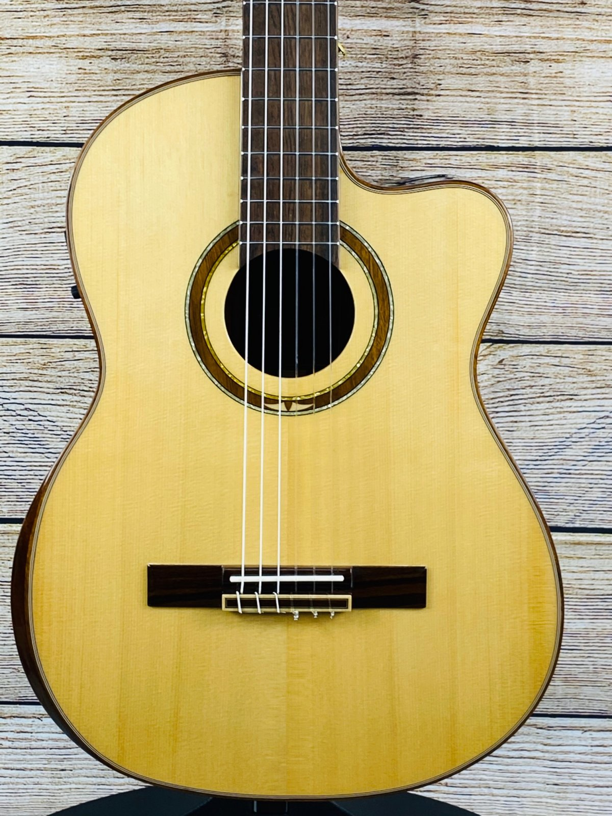 Ortega STRIPED SUITE Nylon Classical Acoustic Guitar Natural