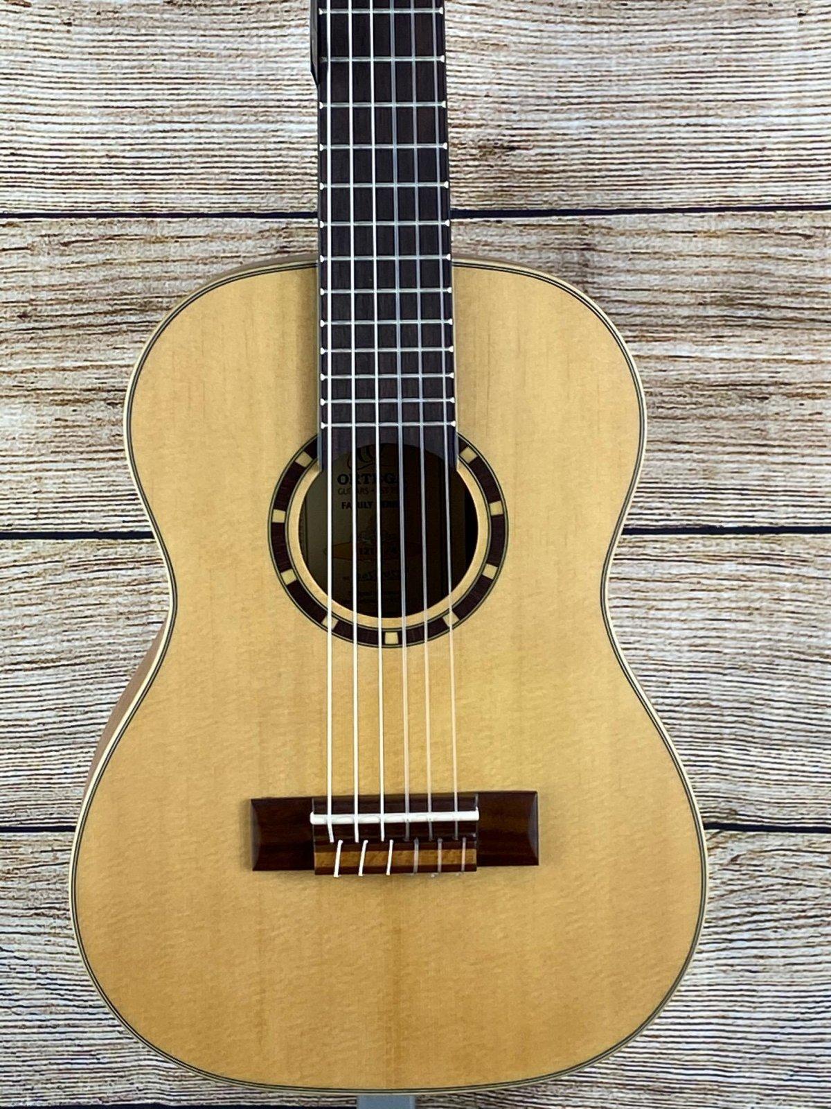 Ortega Family Series R121-1/4 1/4 Size Classical Guitar Satin Natural