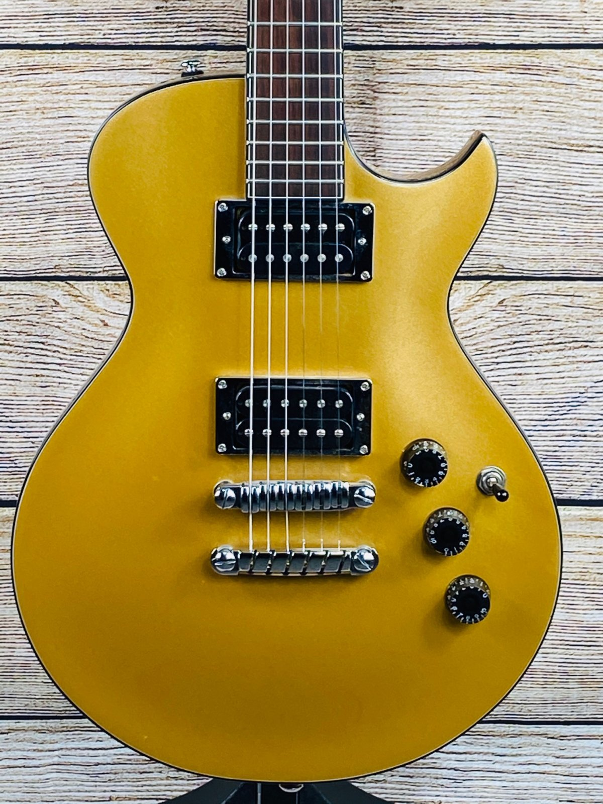 Used Ibanez Les Paul Style Electric Guitar w/case