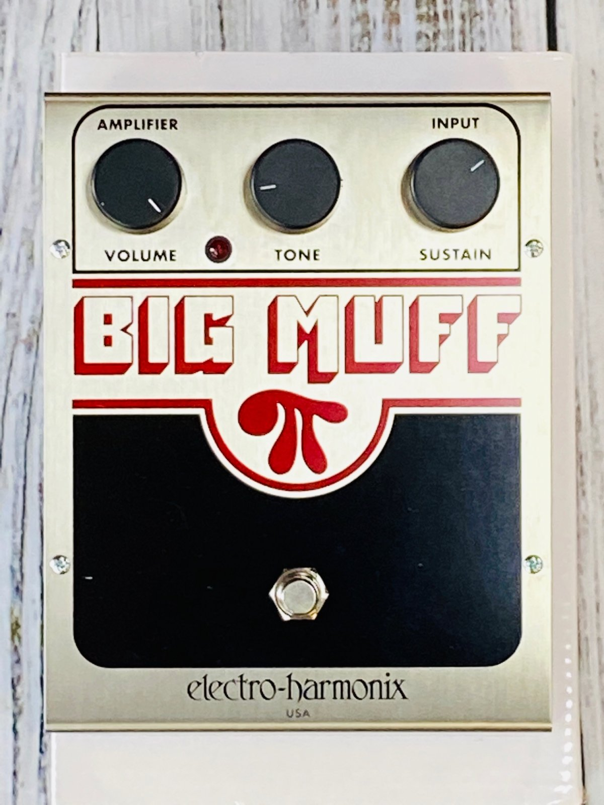 Electro-Harmonix Big Muff Pi Distrortion/Fuzz Pedal
