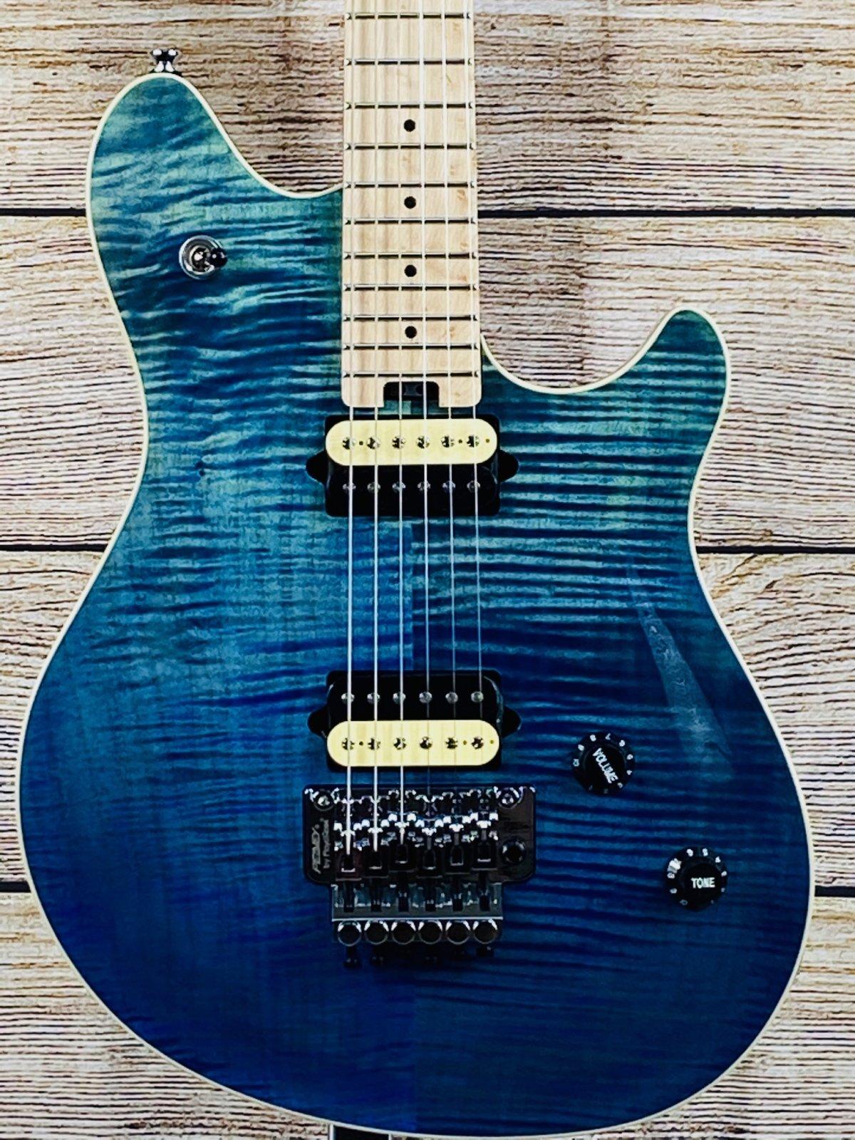 Peavey HP2 Electric Guitar Birds-Eye Maple Fretboard with Case, deep ocean blue