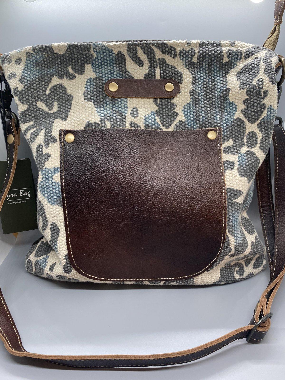 Voyager Shoulder Bag