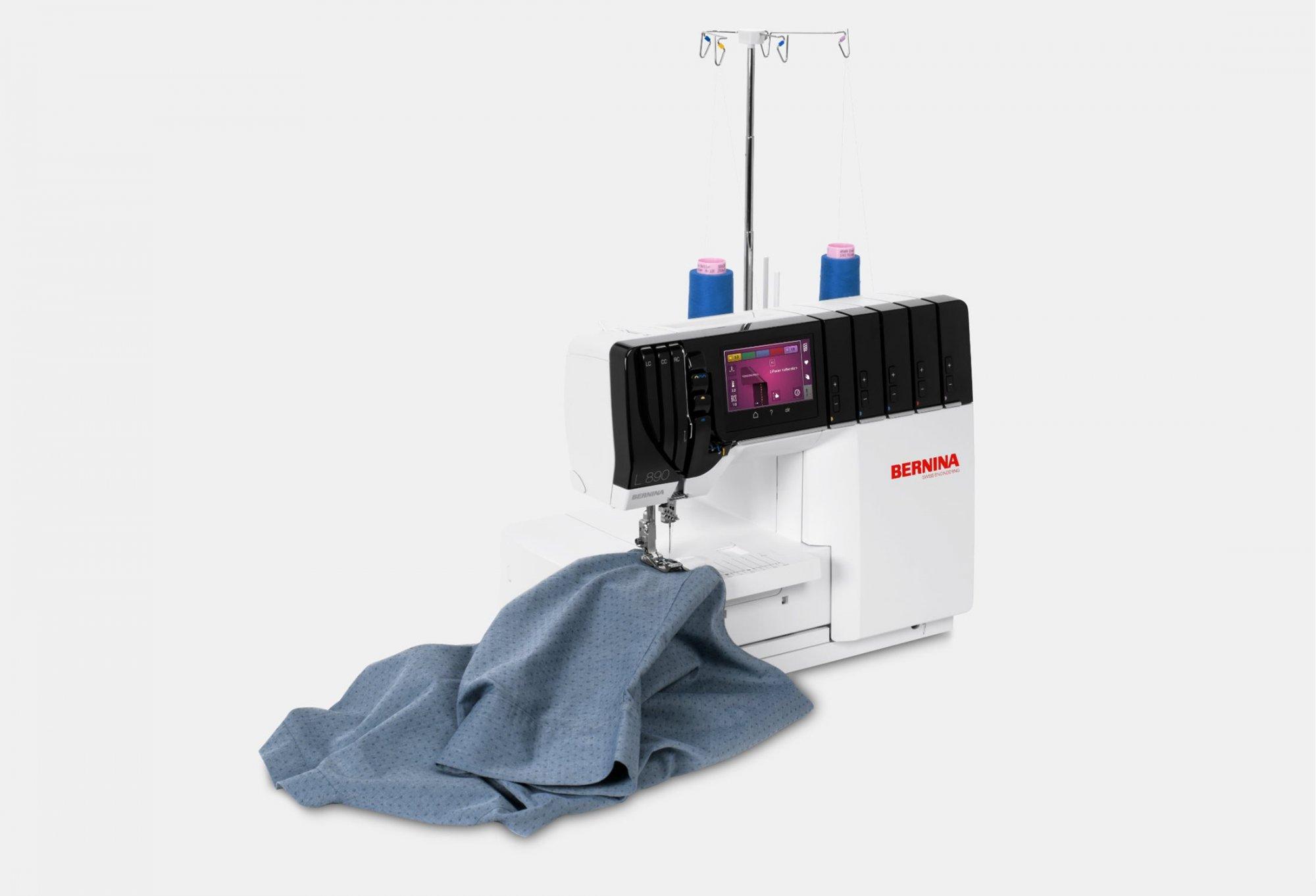 BERNINA Machine L890 Overlock and Coverstitching