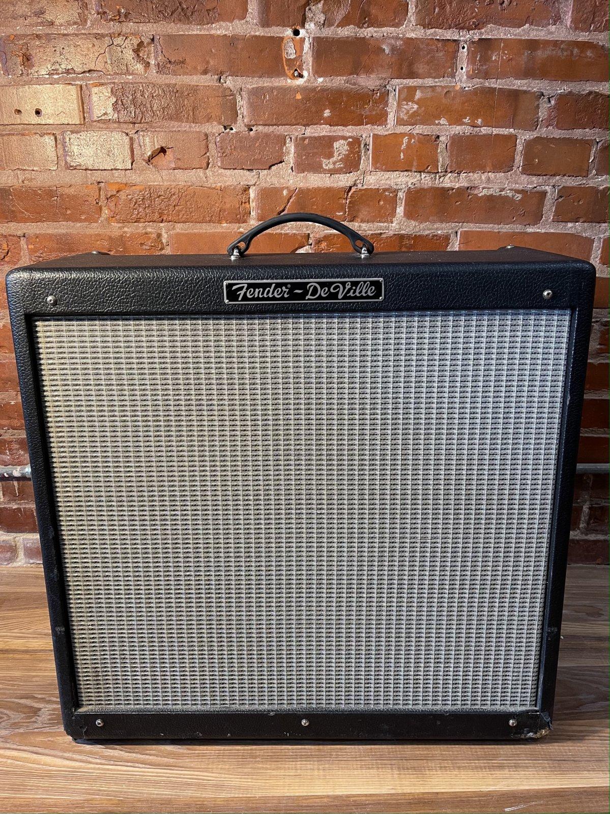 Fender Hot Rod Deville 4x10 Guitar Amp