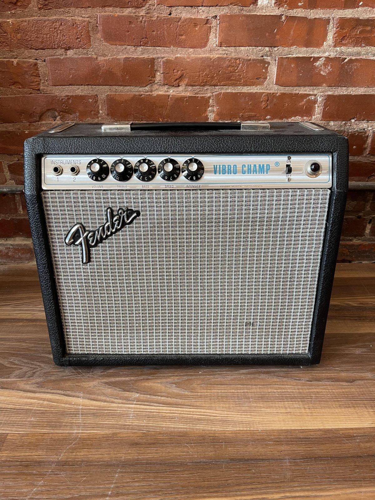 1977 Fender Vibro Champ Silverface Amplifier