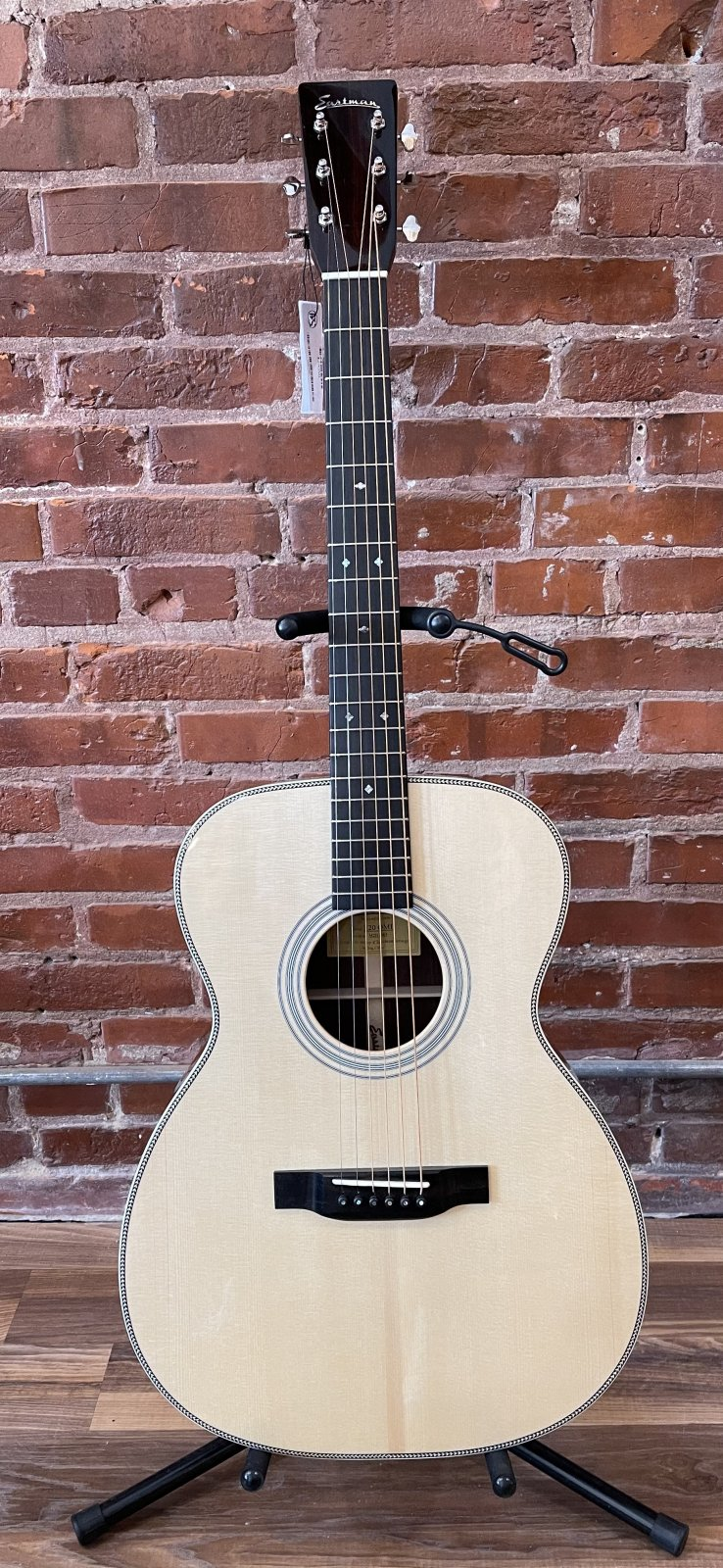 Eastman E20OML Lefty Orchestra Traditional Flattop Acoustic Guitar
