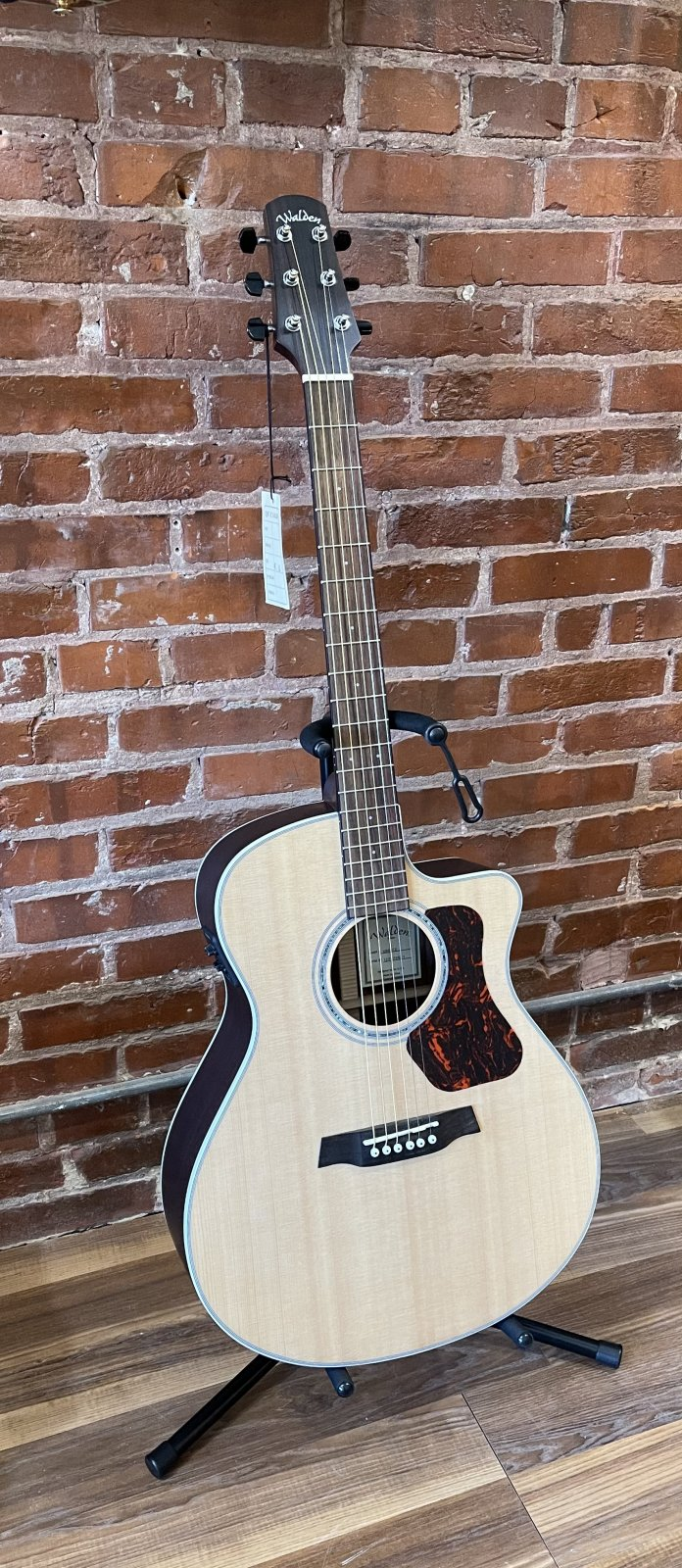 Walden G800CE Natura All-Solid Sitka/Rosewood Grand Auditorium Acoustic/Electric