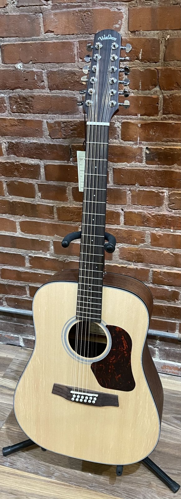 Walden D552E 12-String Acoustic/Electric Guitar