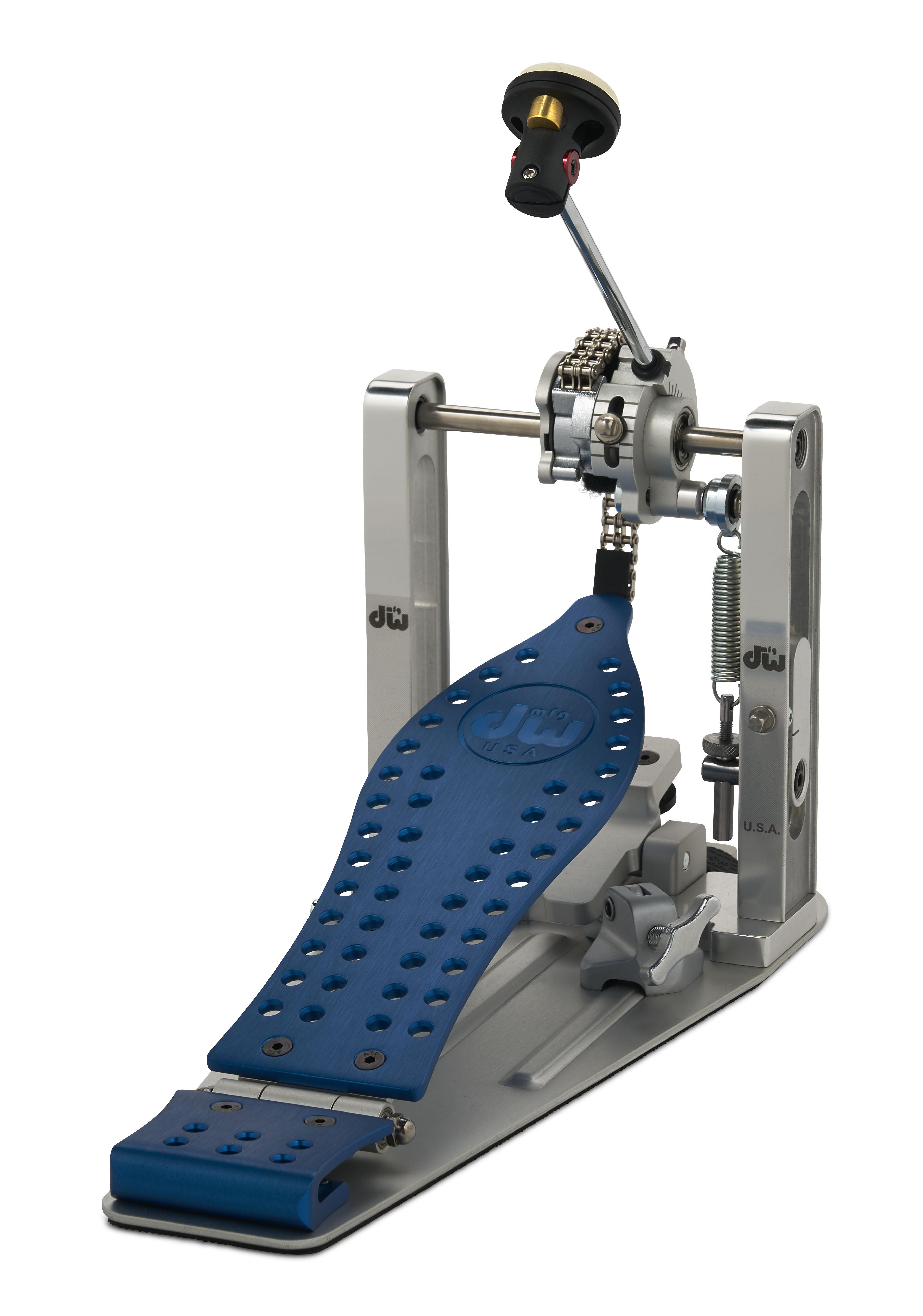 DW MFG Series Machined Chain Drive Single Pedal w/ Bag Blue Edition