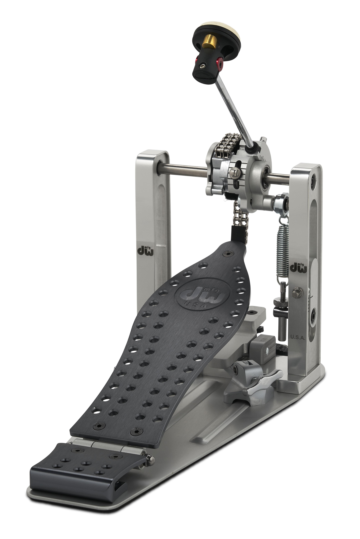DW MFG Series Machined Chain Drive Single Pedal w/ Bag Gray Edition