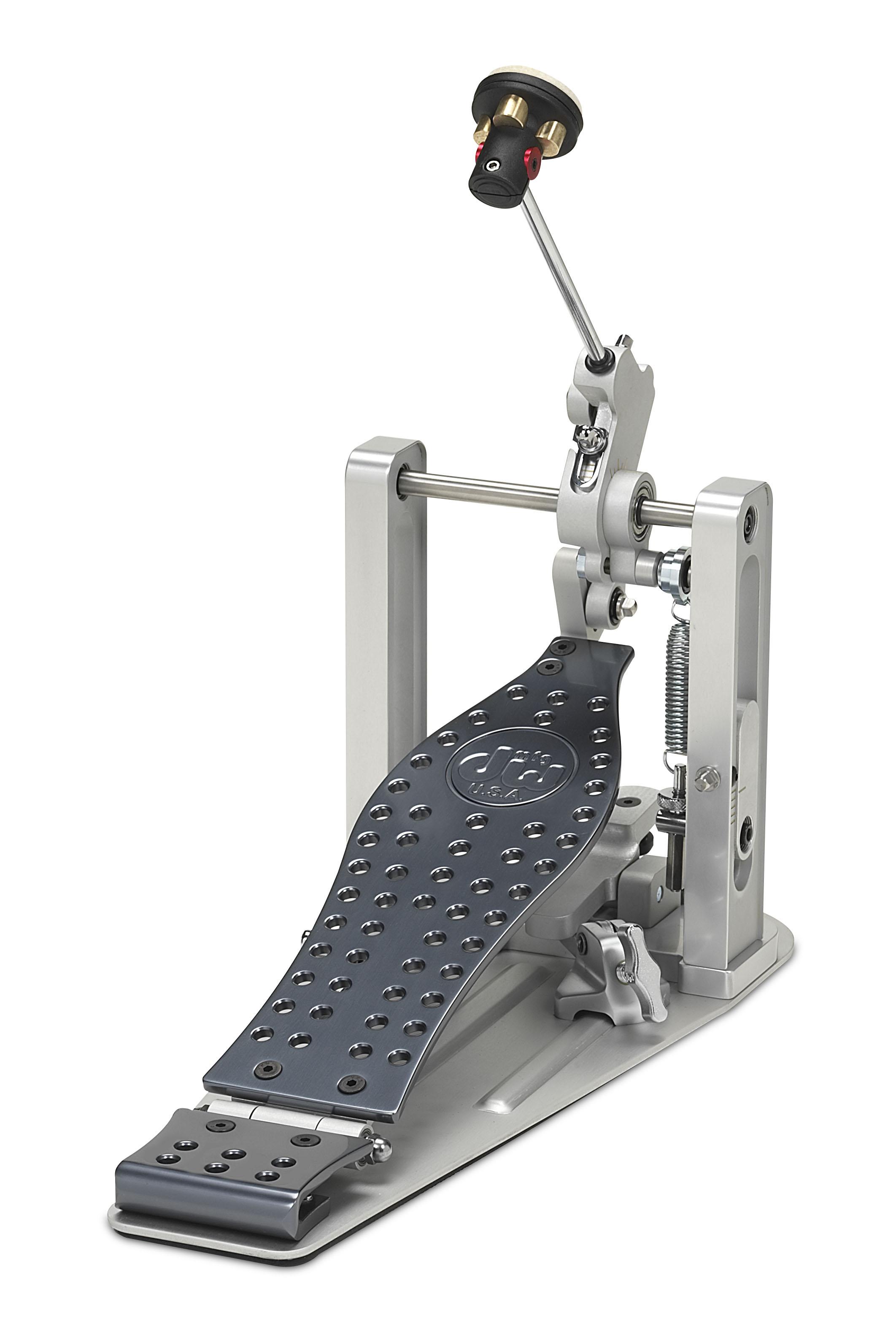 DW MFG Series Machined Direct Drive Single Pedal w/ Bag
