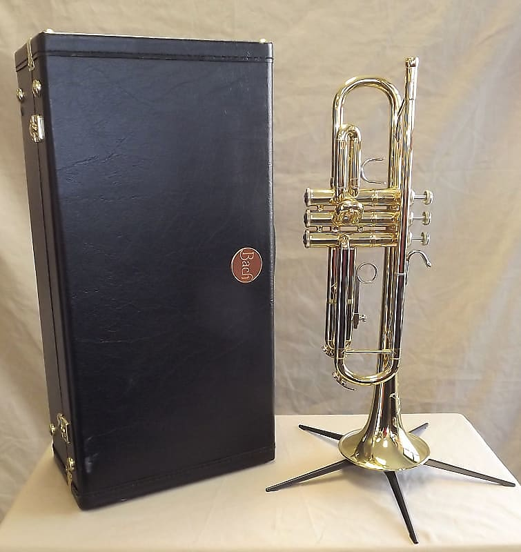 Bach TR200 Step-Up Bb Trumpet Outfit
