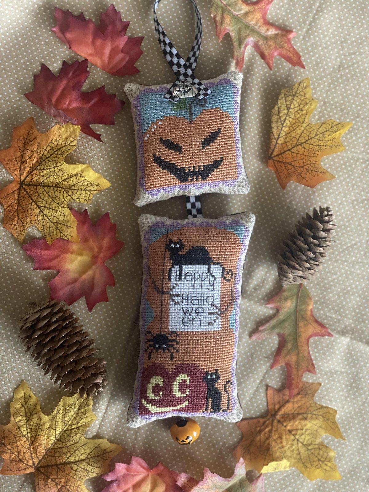 Halloween Greetings chart - Romy's Creations