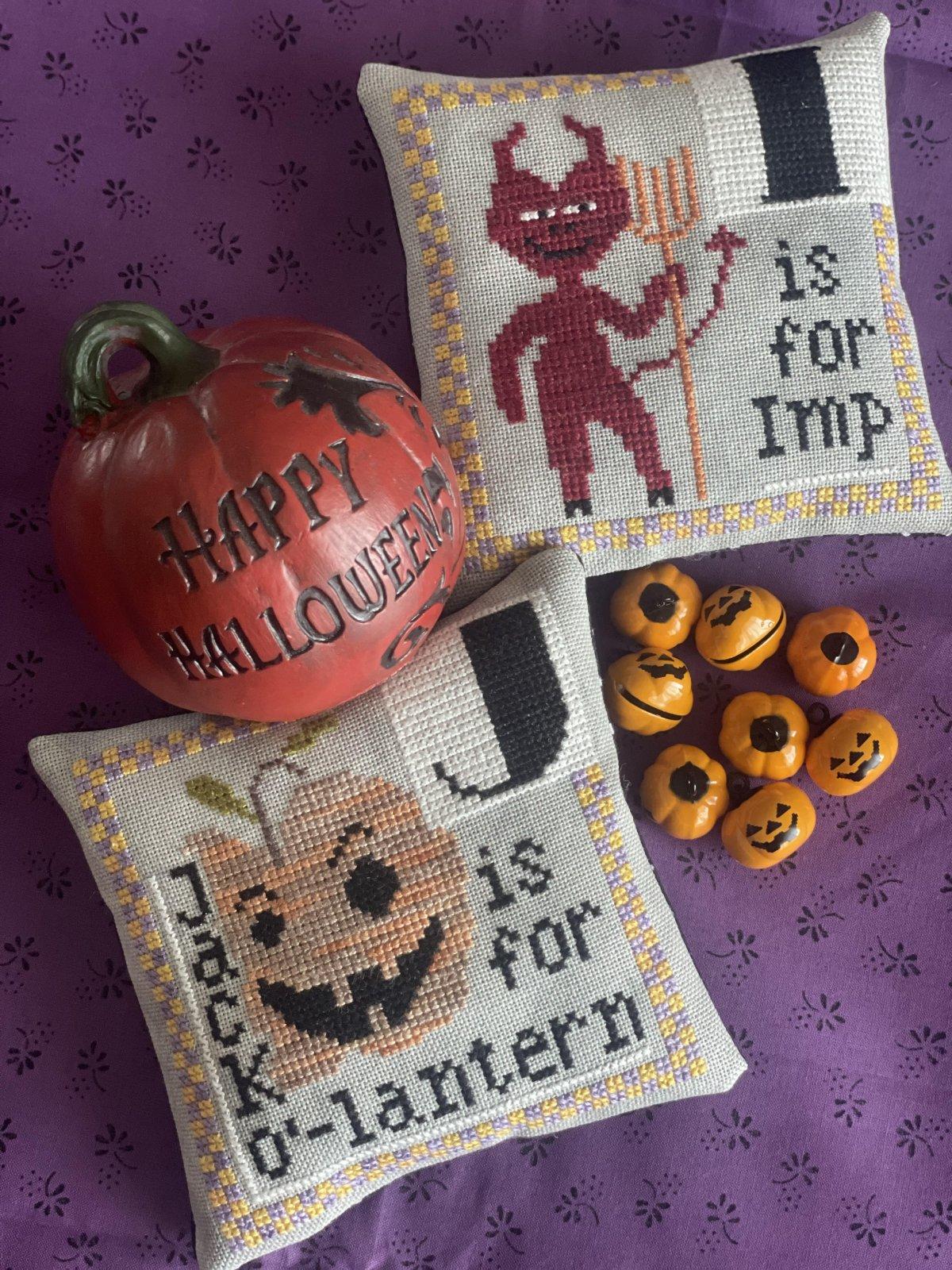 Halloween Alphabet I/J chart - Romy's Creations