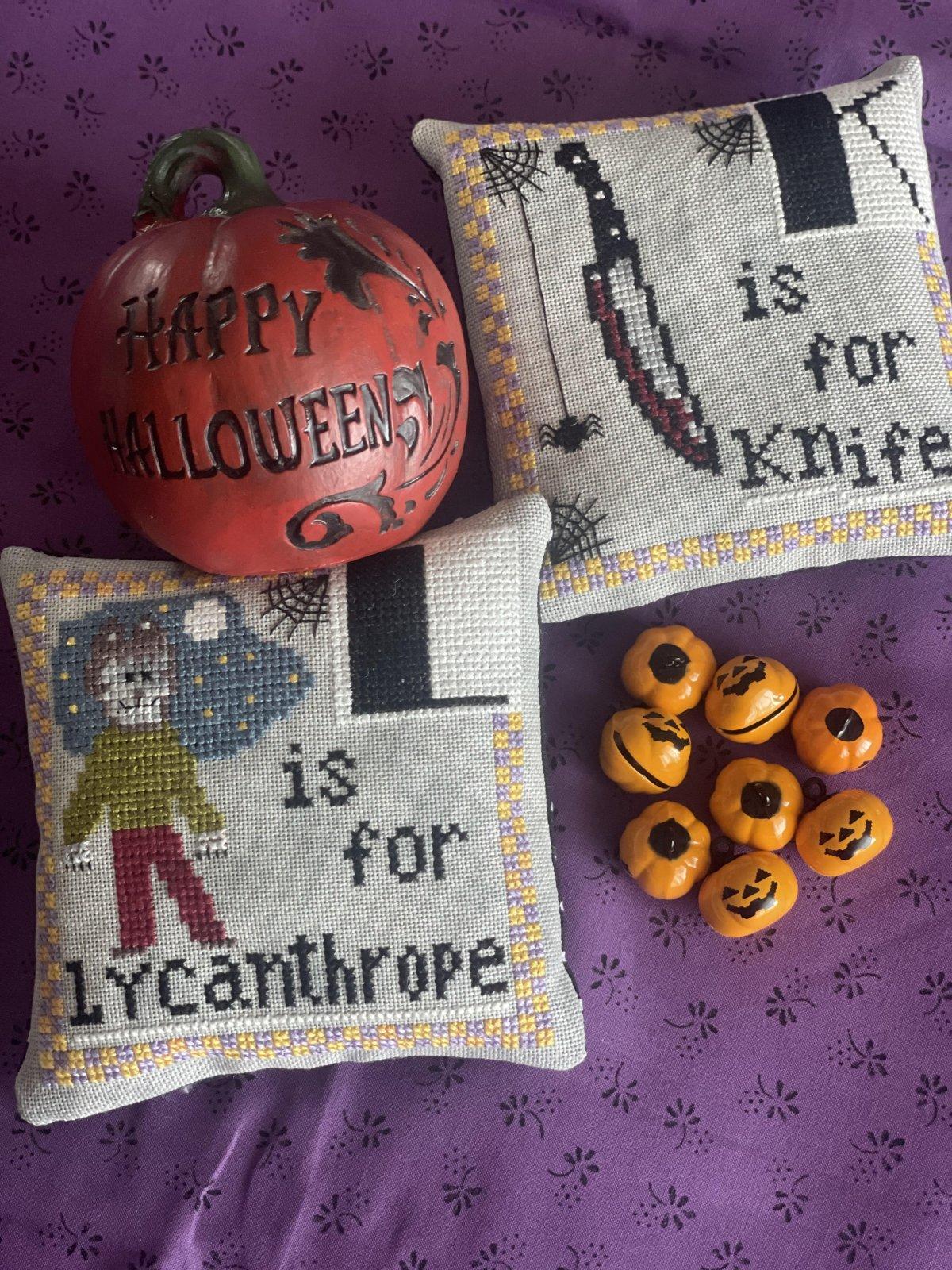 Halloween Alphabet K/L chart - Romy's Creations
