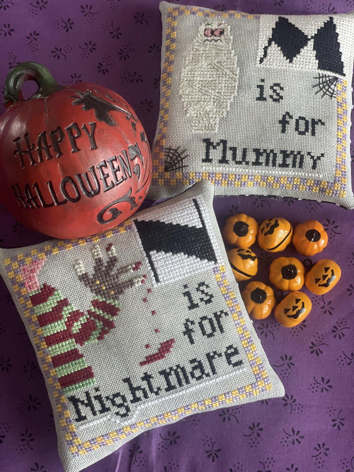 Halloween Alphabet M/N chart - Romy's Creations