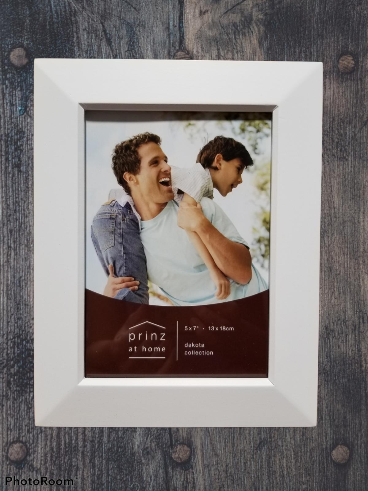 5x7 Dakota White wood photo frame
