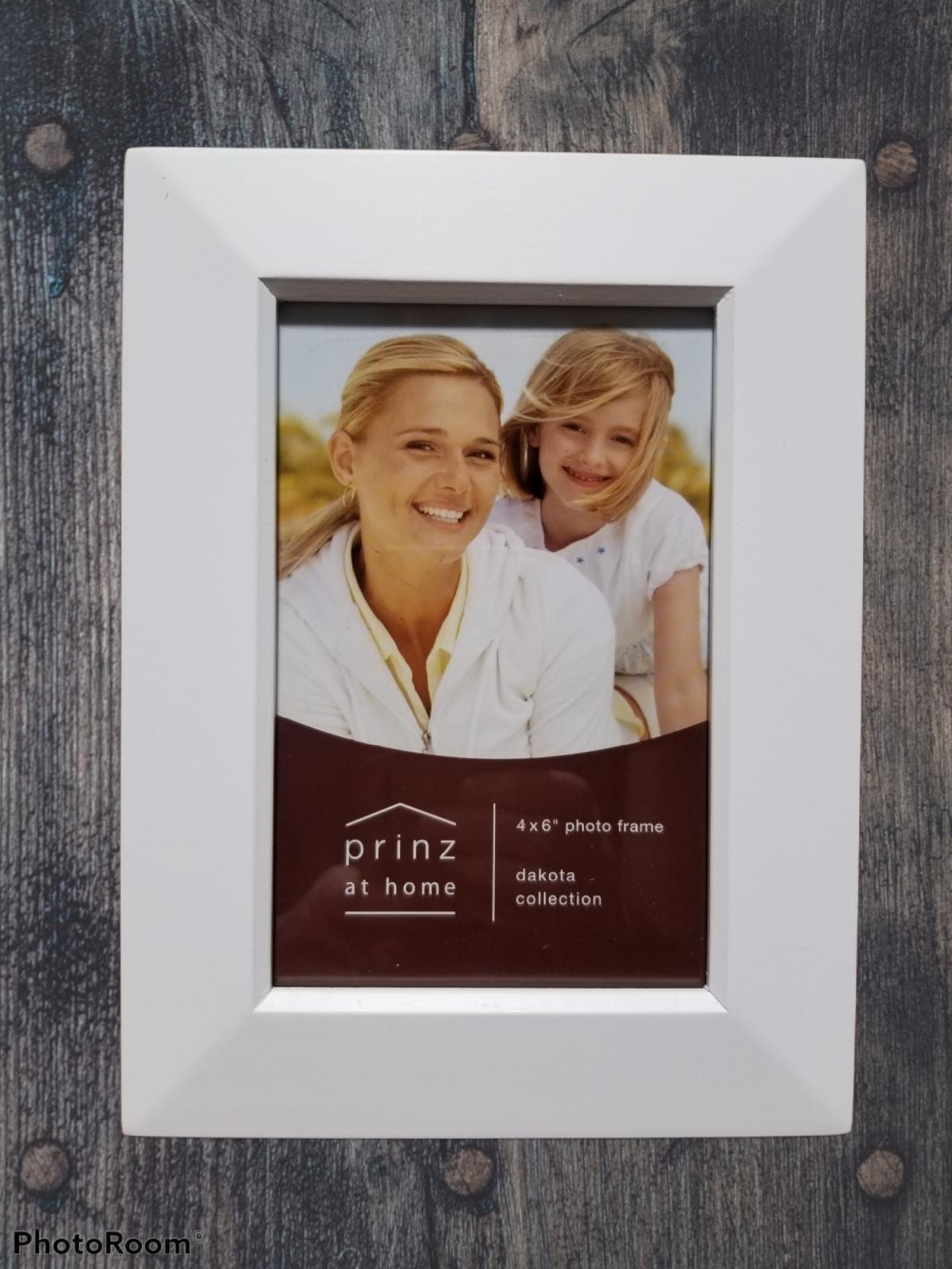 4x6 Dakota White wood photo frame